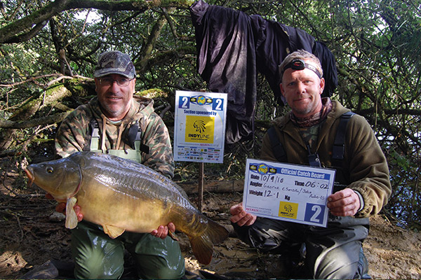 WCC10-winners-with-fish