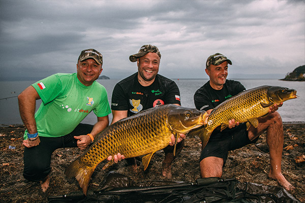 WCC14-winners-with-fish