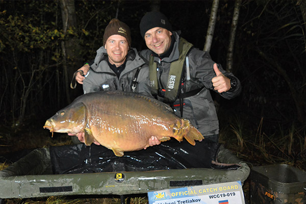 WCC19-winners-with-fish-